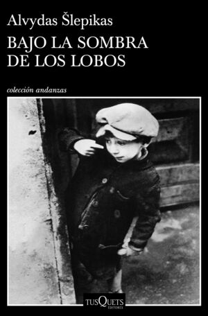 BAJO LA SOMBRA DE LOS LOBOS